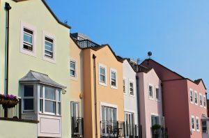 row-houses-196105_1920