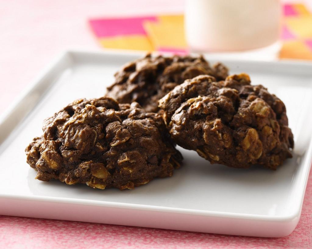 chocolate oatmeal, simple chocolate oatmeal chews, homemade chocolate oatmeal chews