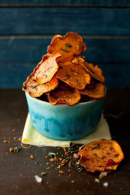 fried sweet potato chips, sweet potato chips recipe, homemade sweet potato chips